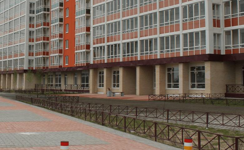 Коммерческие помещения на первых этажах