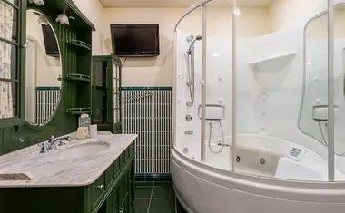7-комнатная, 327.1 м²– 9