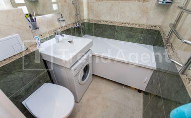 1-комнатная, 30 м²– 9