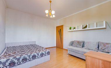1-комнатная, 42 м²– 3