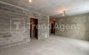 4-комнатная, 295.7 м²– 9