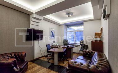 3-комнатная, 102.7 м²– 4