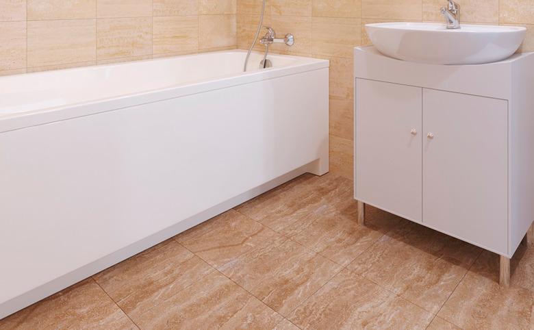 5_bathroom.jpg