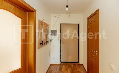 1-комнатная, 37.6 м²– 12