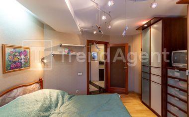 3-комнатная, 92.8 м²– 4