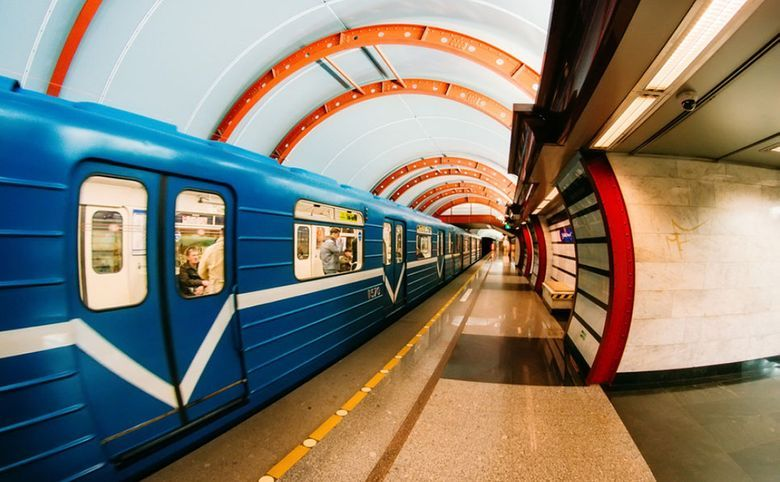 До станции метро «Купчино» 15 минут транспортом