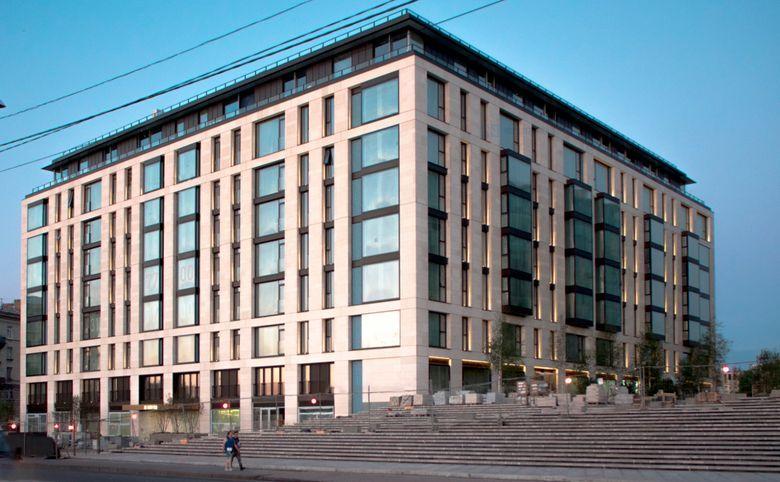 4Е-комнатная квартира, 141.7 м², 2 этаж – 1