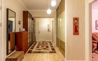 2-комнатная, 65 м²– 6