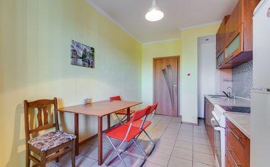 1-комнатная, 42 м²– 5