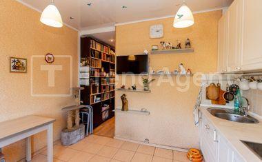 3-комнатная, 69 м²– 7