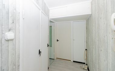 3-комнатная, 49.4 м²– 15