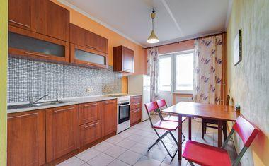 1-комнатная, 42 м²– 4