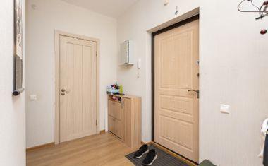 1-комнатная, 37.79 м²– 7