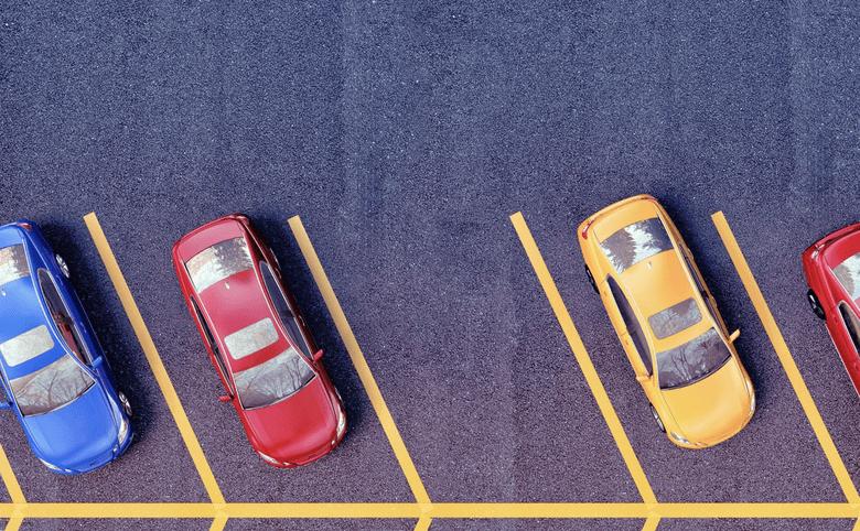 Застройщики против автовладельцев: что делать и где парковаться, если место на парковке только платное?