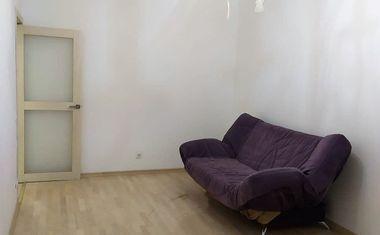 1-комнатная, 42.8 м²– 10