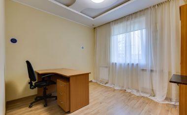 3-комнатная, 80.62 м²– 4
