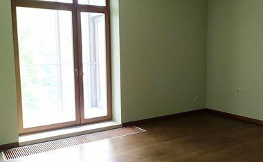 4-комнатная, 172.8 м²– 4
